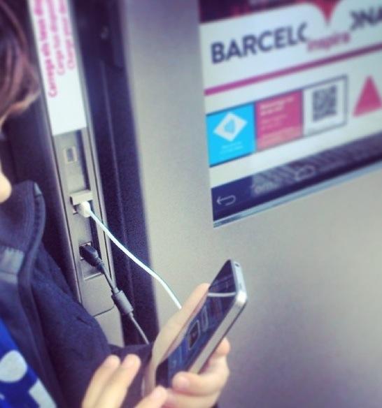 Ayuntamiento-Barcelona-Smartquesinas-JCDecaux-2