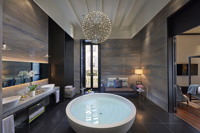 MOMLN-Presidential-Suite-Bathroom-L