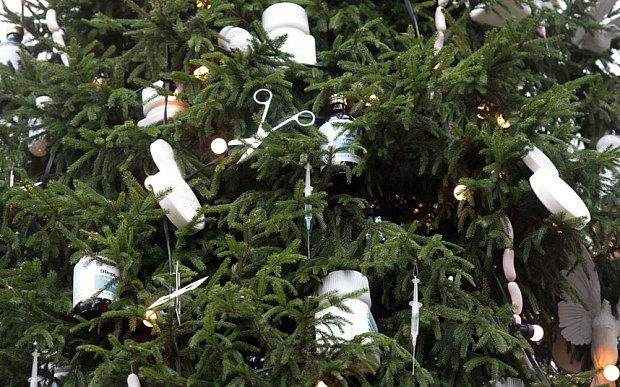 hirst-christmas-tr_3519743b