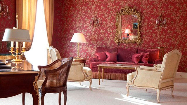 xlbp_1200_accommodation_suite_-prestige_elysee.jpg.pagespeed.ic.jwixBGxMYC