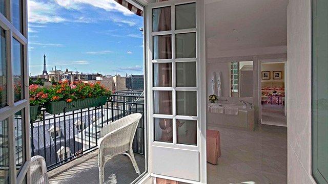 xlbp_1200_accommodation_suite_signature_eiffel_tower_view.jpg.pagespeed.ic.8RW5fJqfyw