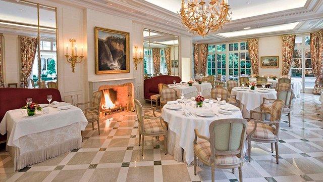 xlbp_1200_gallery_gastronomy_restaurant_epicure_room_fireplace.jpg.pagespeed.ic.6ZegiVI_6C