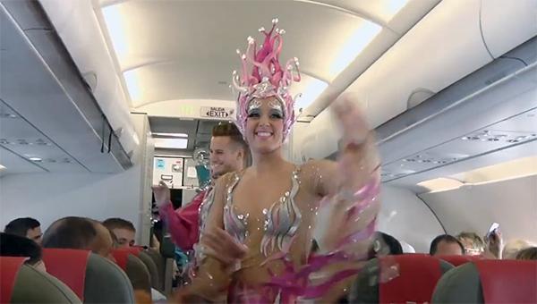 ispanskiy-loukoster-provel-karnaval-na-vysote-10-tysyach-metrov