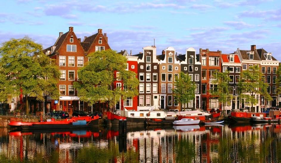 Amsterdam (1)(7)