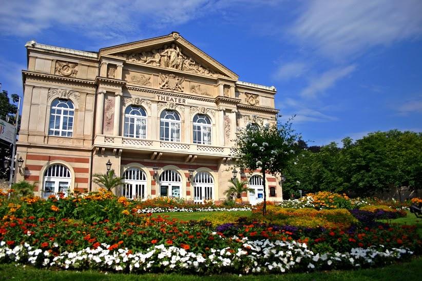 Baden-Baden_Theater__panthermedia_00060647_RET