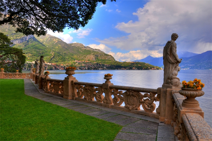 Villa-Balbyanello-na-alpiyskom-ozere-Komo
