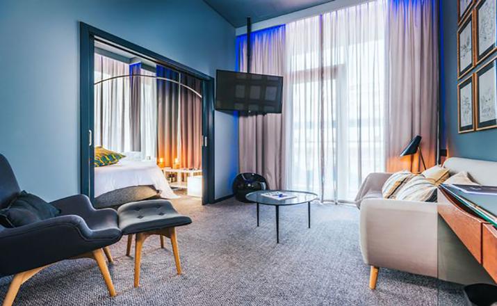 Cristiano-Ronaldo-Hotel (3)