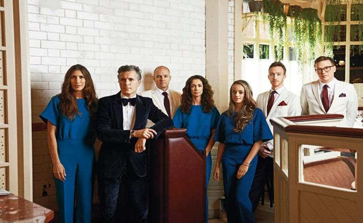 Команда хостесс ресторана