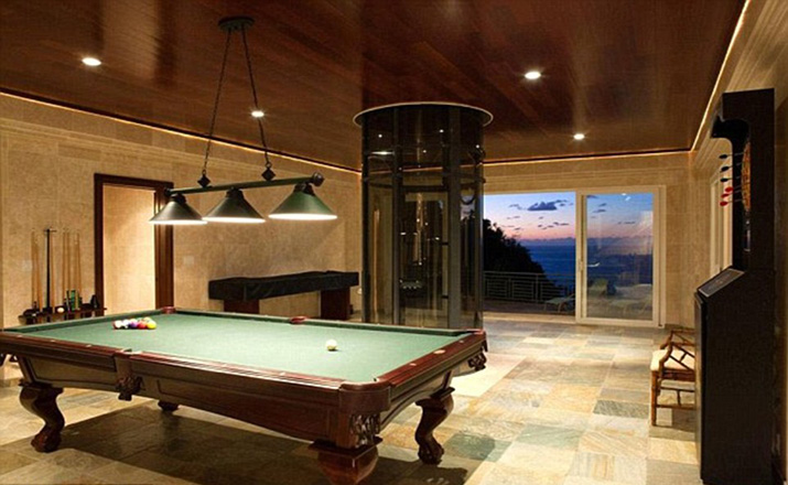 36D79D8100000578-3722119-Leisure_A_game_room_with_a_pool_table_and_dart_board_is_accessib-a-84_1470250710876