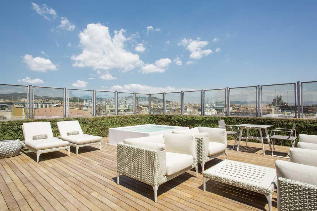 majestic-royal-penthouse-terrace-sagrada-familia-3