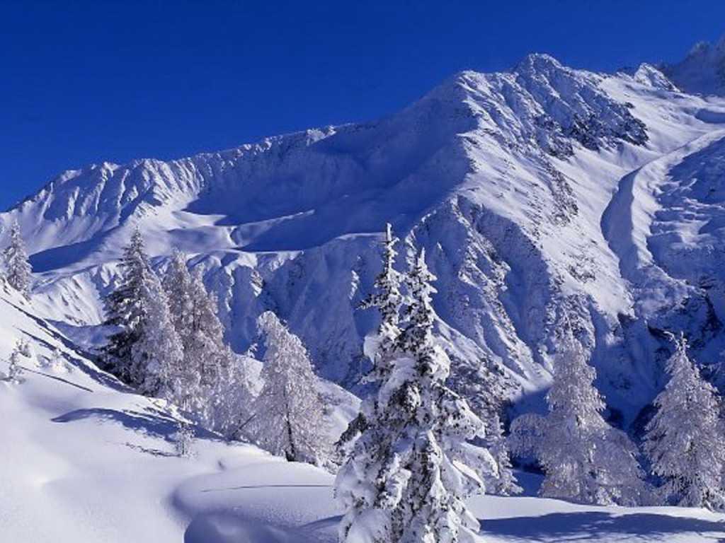 Шамони заснеженные горы