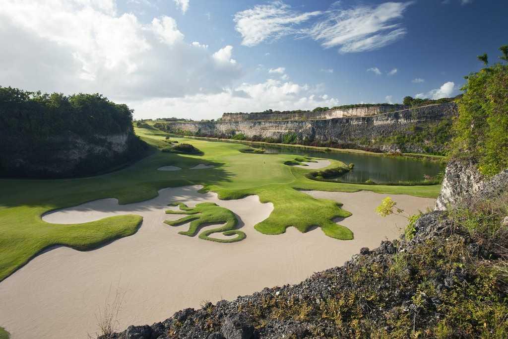 Luxury Golf Resorts