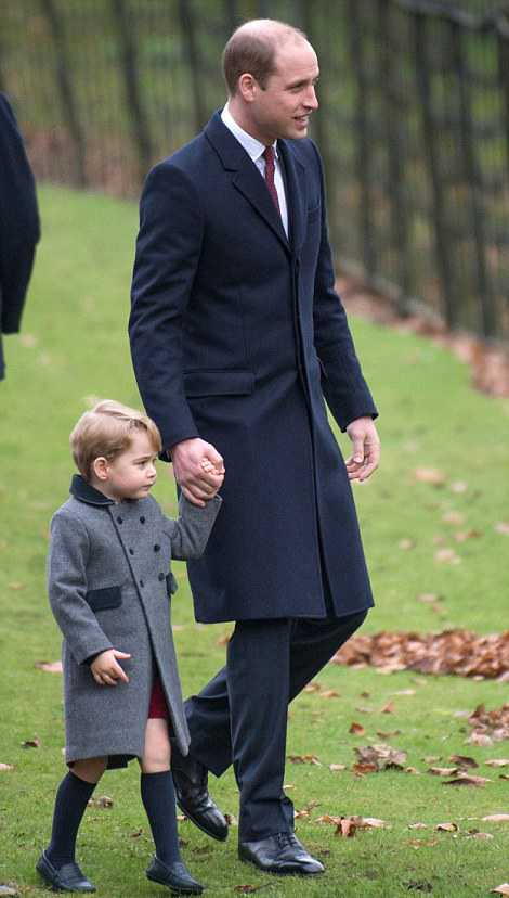 3b9ff56200000578-4064832-prince_william_could_be_seen_talking_animatedly_to_his_son_as_th-a-43_1482663667846