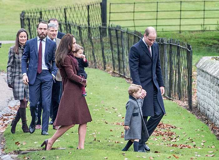 3b9ffac400000578-4064832-william_and_kate_prince_george_and_princess_charlotte_and_kate_s-a-45_1482663667946