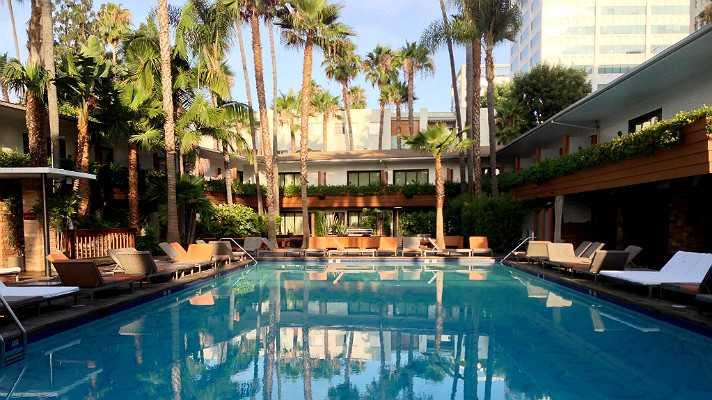 hollywood-roosevelt-tropicana-pool