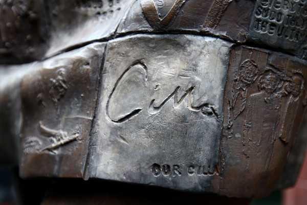Cavern+Club+Unveil+Statue+Memory+Cilla+Black+RPZ898Um8qel