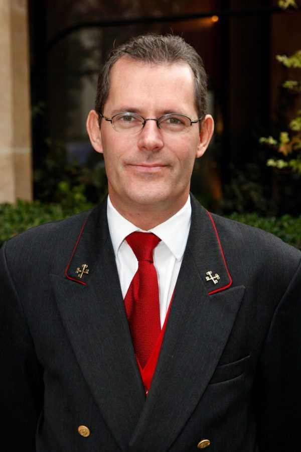 Жером Поре, старший консьерж Hôtel Plaza Athénée Paris