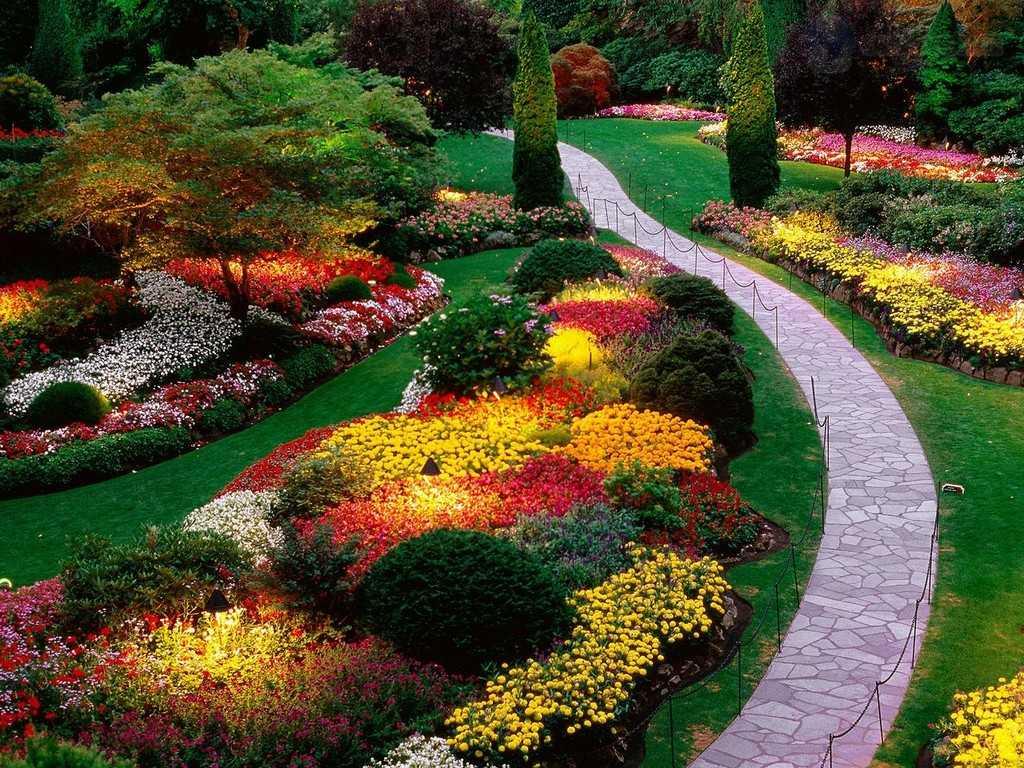 sunken-garden-butchart-gardens-saanich-peninsula-british-columbia-canada