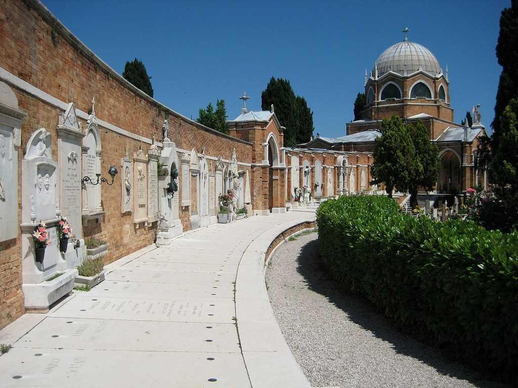 Кладбище Сан-Микеля2