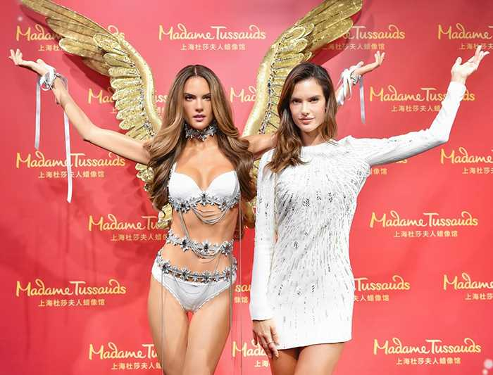 alessandra-ambrosio-unveils-her-wax-figure-in-china-02