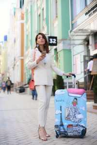 Чехол для чемодана Travel is..., Костюм из льна The BODY Wear, сумка VerbenA, серьги Helena SAI