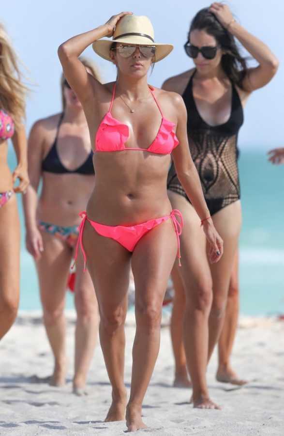 Eva-Longoria-Hottest-Bikini-Pictures (1)
