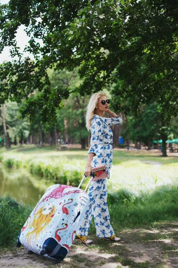 Чехол для чемодана Travel is..., Костюм Elena Burba