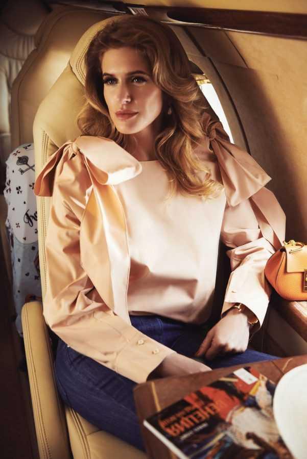 Блуза, сумка и браслет Chloé Брюки Pierre Balmain (Symbol) Чехол для чемоданов Travel is…