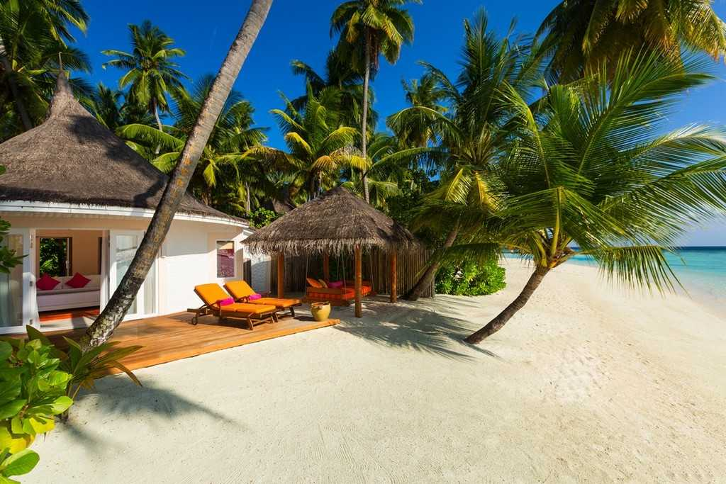 Deluxe-beach-villa-2