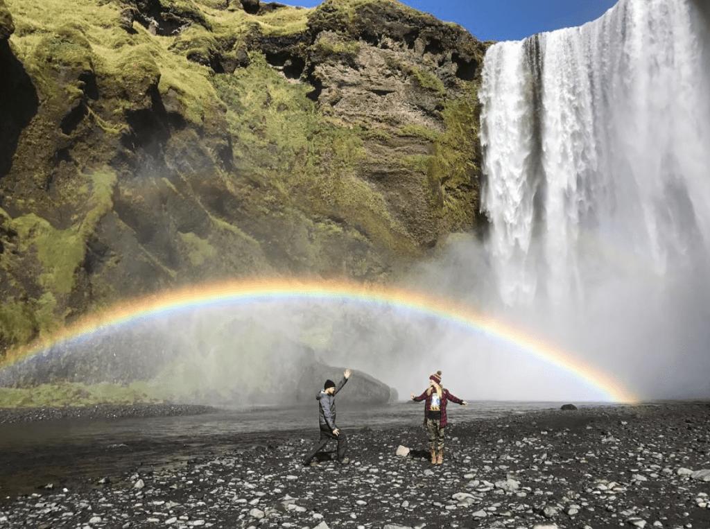 Аарон Пол в Исландии