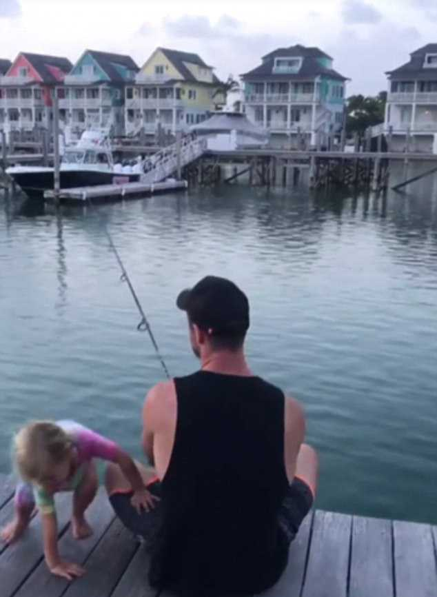 459DD0F600000578-5010713-Chilling_out_In_another_shot_Chris_enjoys_fishing_with_their_kid-a-91_1508821836523