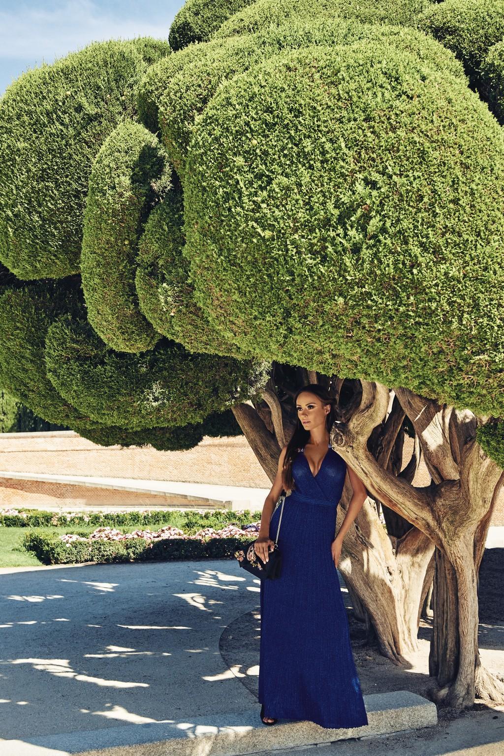 Платье Missoni, сумка N°21 – El Corte Inglés Serrano 47 Woman. Локация: парк Buen Retiro.