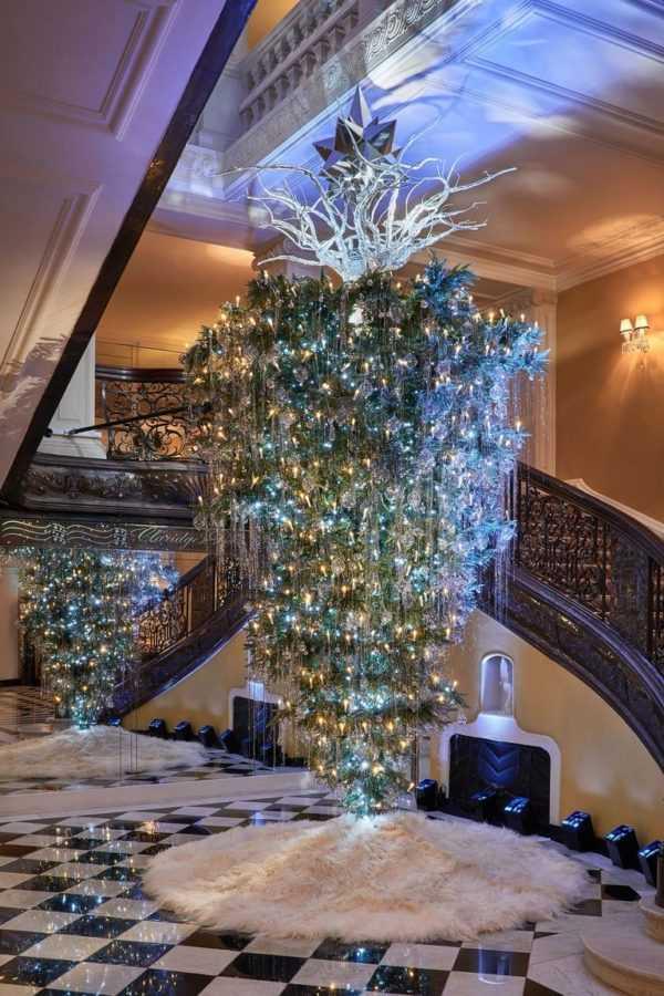 claridge-s-christmas-tree-2017-by-karl-lagerfeld-2-1511350546