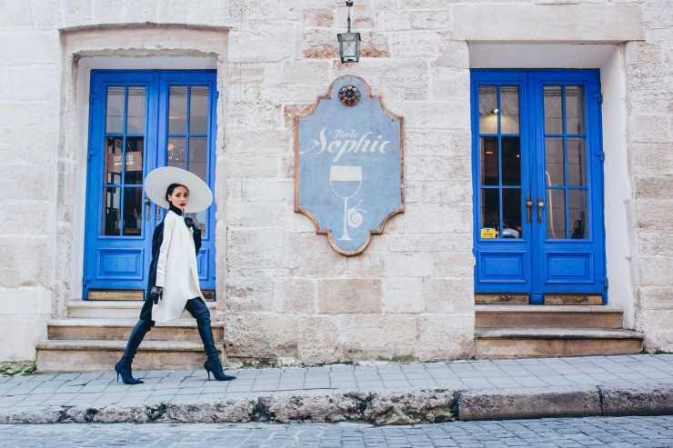КАФЕ TANTE SOPHIE Пальто COLOMBO, Symbol Перчатки RinDi, Symbol Сапоги Balenciaga Шляпа Rybalko
