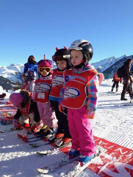 Школа для маленьких лыжников