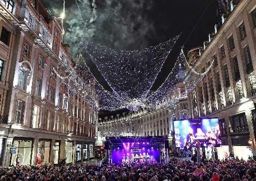 christmas-lights-switch-on-5585ba7c-609