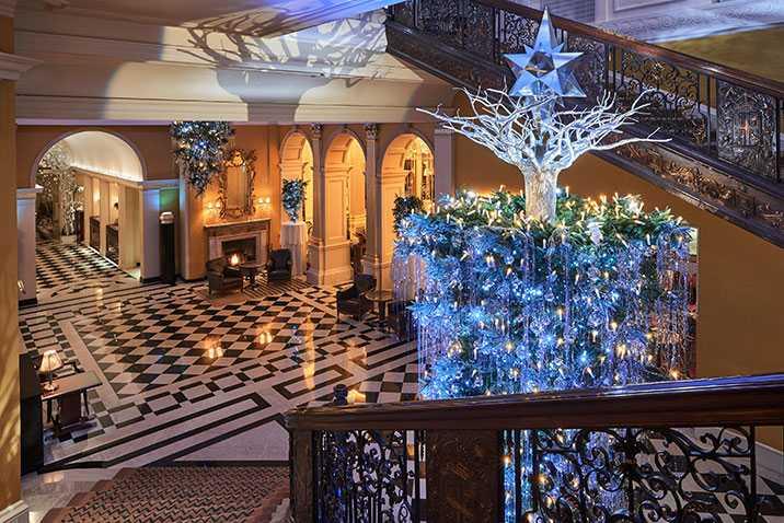 claridges-christmas-tree-2017-designed-by-karl-lagerfeld-mayfair-london