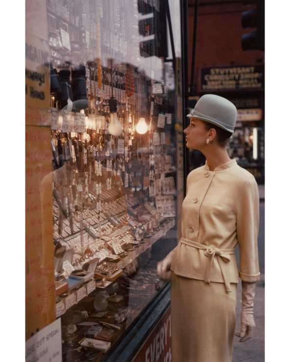 Dawn Bishop, Harper's Bazaar, 1950s © Saul Leiter Foundation / Courtesy Howard Greenberg Gallery