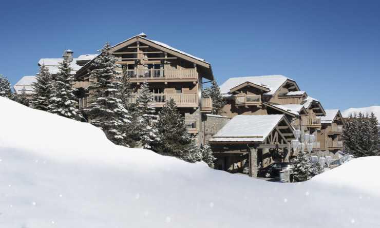Отель Le K2 Altitude расположен вдоль лыжной трассы Pralong «Goji Spa» Le K2 Palace Ресторан «Le Montgomerie» Le K2 Altitude Отель Le K2 Djola Винный погреб ресторана «Le Black Pyramid» Терраса отеля Le K2 Altitude Junior Suite в отеле Le K2 Altitude Номер отеля Le K2 Palace