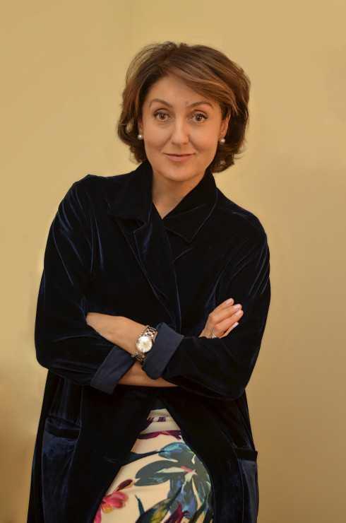 ВИОЛЕТТА СОКОЛ, психолог, психотерапевт American Medical Centers, Киев, коуч по здоровому образу жизни (Институт интегративного питания, США)