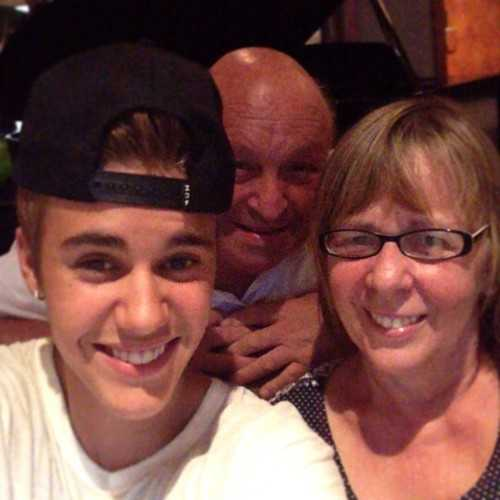Джастин Бибер с бабушкой и дедушкой