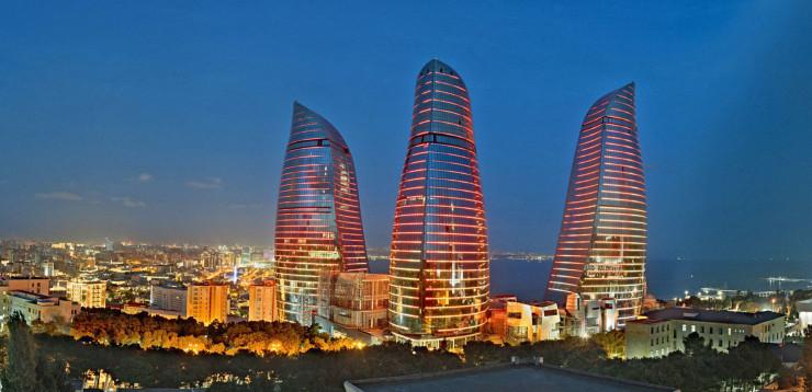 Башни Пламени, Баку