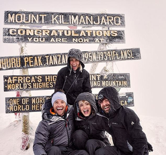 4ABB989200000578-5566517-Top_of_the_world_Mandy_Moore_has_officially_climbed_the_tallest_-a-20_1522559949485