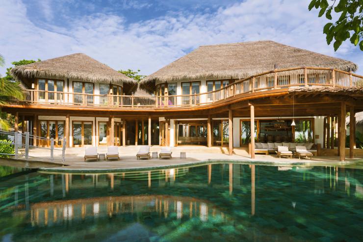 Вилла с шестью спальнями и бассейном в отеле Soneva Fushi