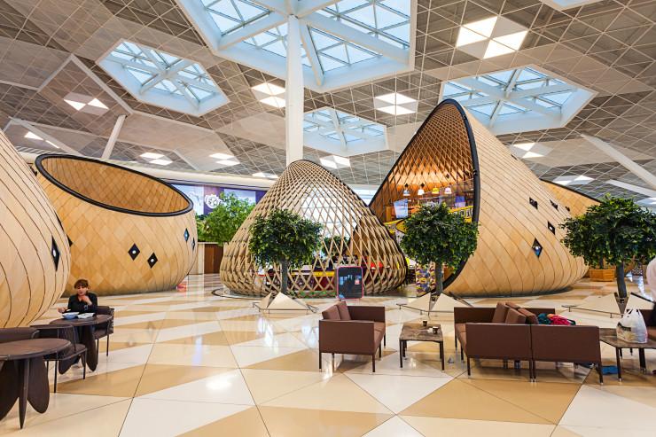 Бакинский международный аэропорт Гейдар Алиев – один из шести международных аэропортов, обслуживающих Азербайджан.