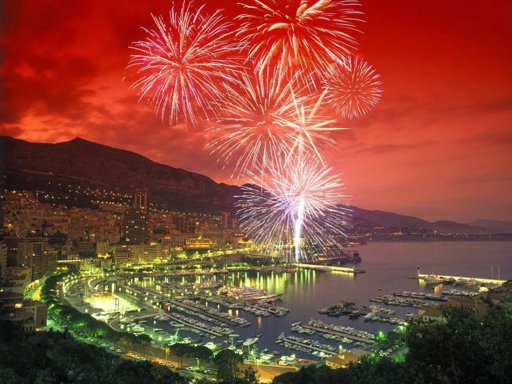 Fireworks-Over-Monte-Carlo-Harbor-Monaco