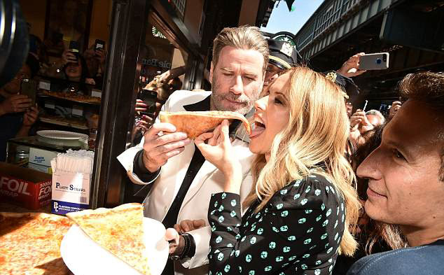 4D2A5E9100000578-5836609-Hungry_Kelly_Preston_and_John_Travolta_were_having_some_fun_with-a-3_1528833769782