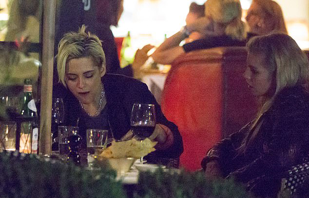 EXCLUSIVE: Kristen Stewart and Stella Maxwell enjoy dinner date at Cecconi's Berlin, Germany