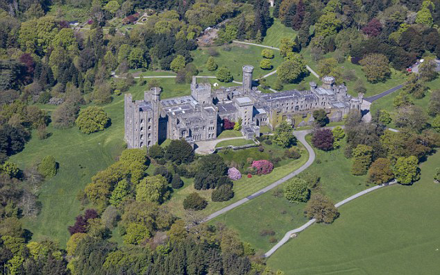 5020D6FF00000578-6163981-Great_location_The_National_Trust_which_owns_the_castle_explaine-a-80_1536853096945