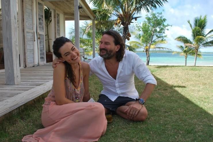 Бегбедер с женой Ларой на Багамах. Фото: из личного архива Фредерика Бегбедера.